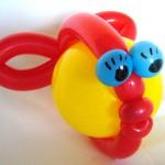 Luftballonkünstler im Autohaus - Hier Kugelfisch aus Luftballons