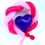 Ballonfigur Herzchen mit Kranz