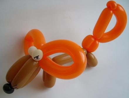 Ballonmodellierer mit erstklassigen Luftballonfiguren - Das sind Cordula und Rüdiger Paulsen.Luftballontier Fuchs
